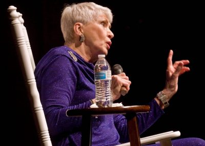 From her rocking chair, humorist Jeanne Robertson charms the Paramount audience with her observations of life.