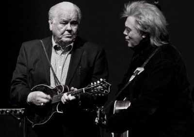 Bluegrass legend Paul Williams joins Marty Stuart on the Paramount stage to play a couple of classic songs.